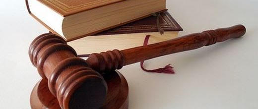 Avocats, juristes, notaires, huissiers, comptables